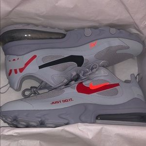 Nike air max 270 react size 10.5 grey brand new